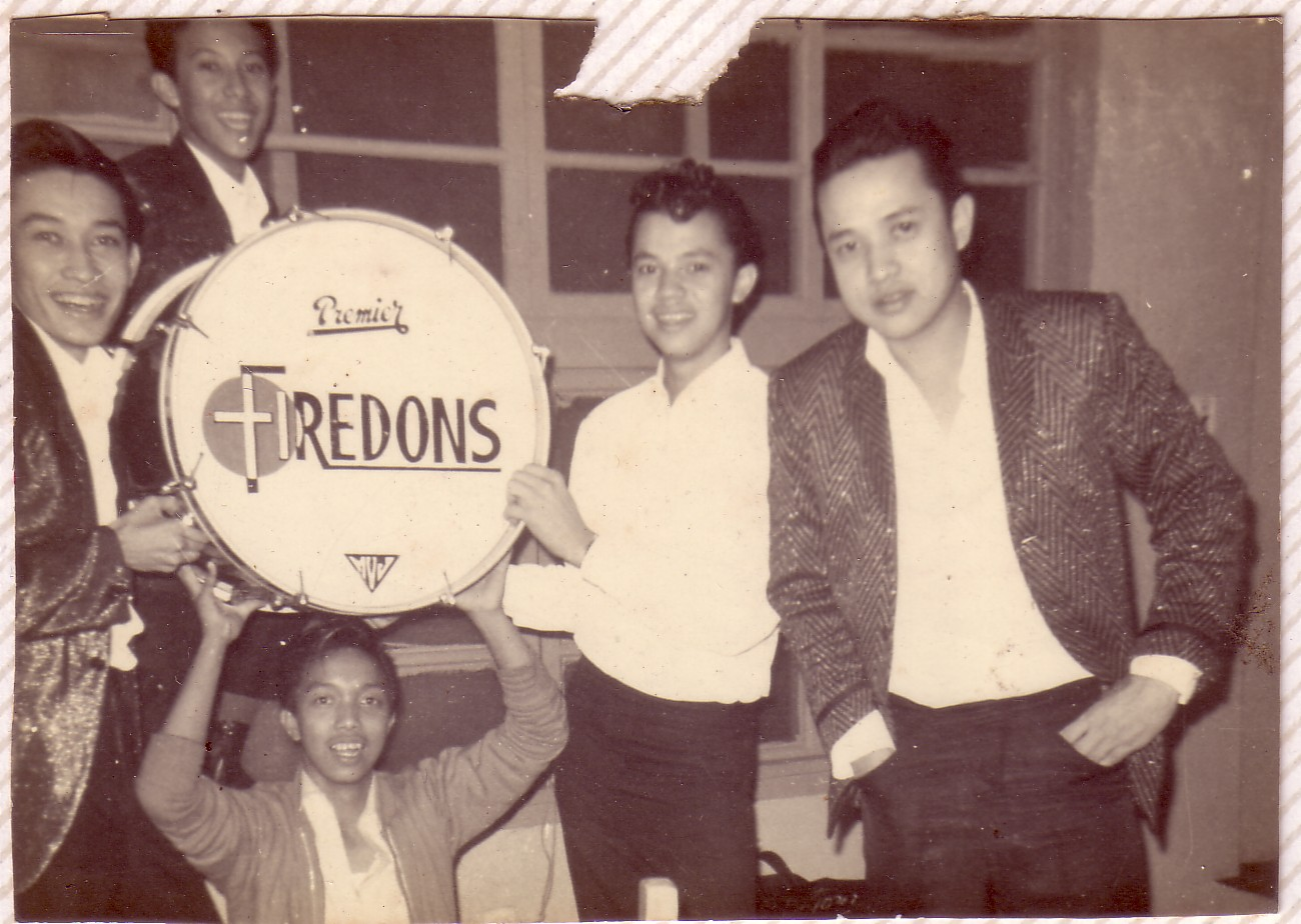 PICTURED: RONNIE VILLAR & THE FIREDONS